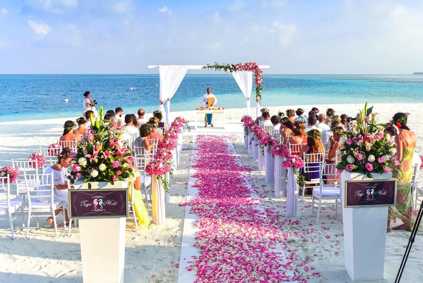 Trouwen op Bonaire is de droom van vele stelletjes. Het is het perfecte strand, voor de perfecte trouwdag!