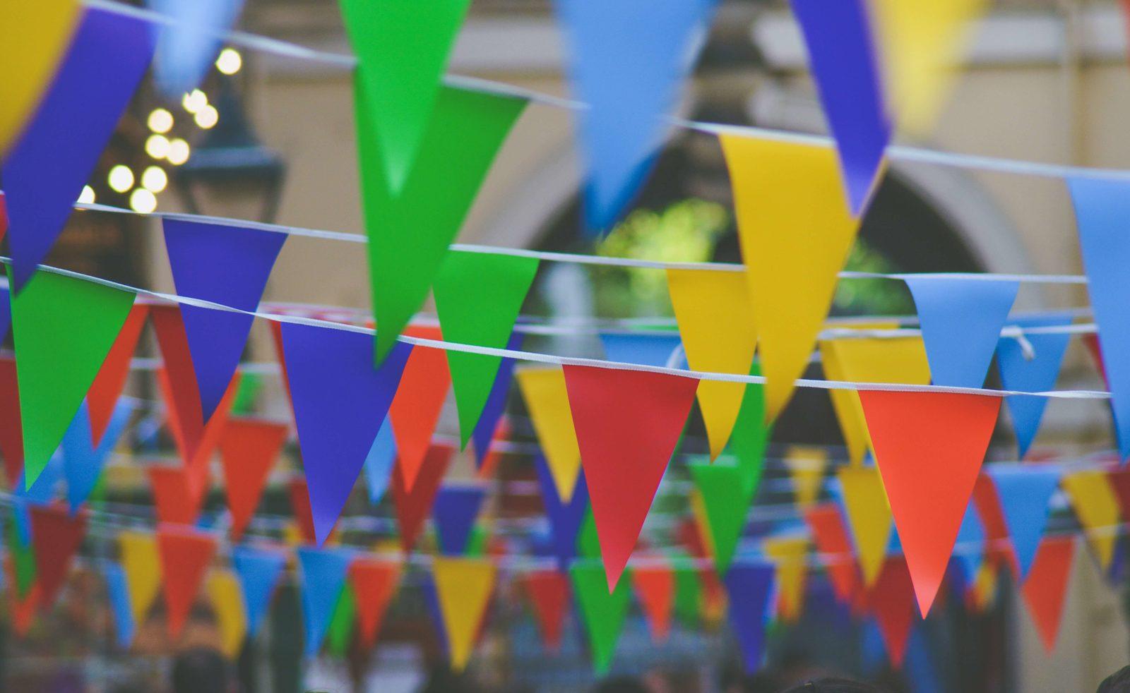 Les jours fériés sur Bonaire sont presque identiques à ceux des Pays-Bas. Bonaire célèbre sa fête, le Dia di Bonaire, et la fête des Antilles. La Maskarada est célébrée le jour du Nouvel An.