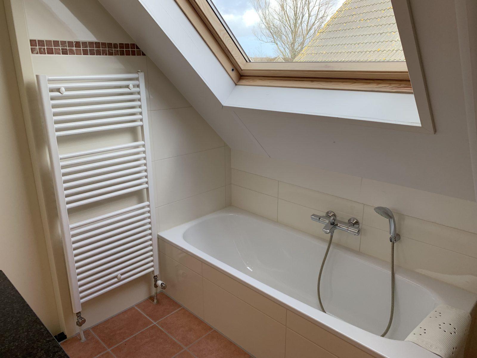 IJsselmeerstraat 153 Komfort Plus, Schlafzimmer und Badezimmer unten