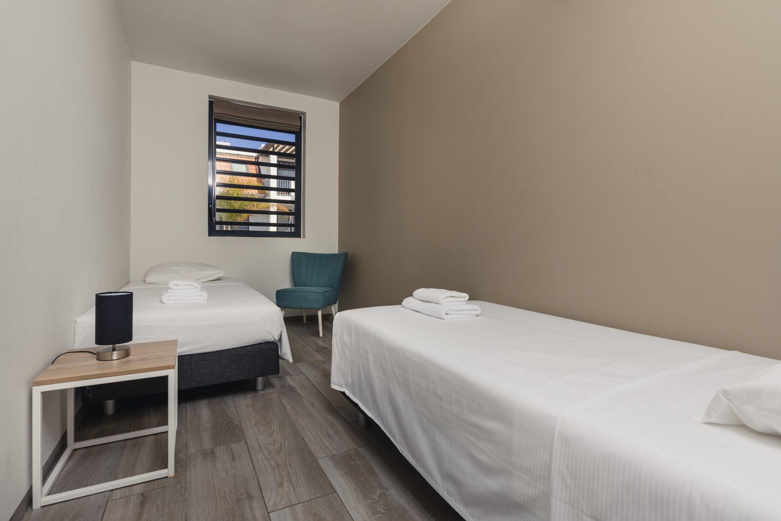 Le Resort Bonaire propose des chambres à coucher spacieuses connectées aux balcons. Affichez nos logements disponibles!
