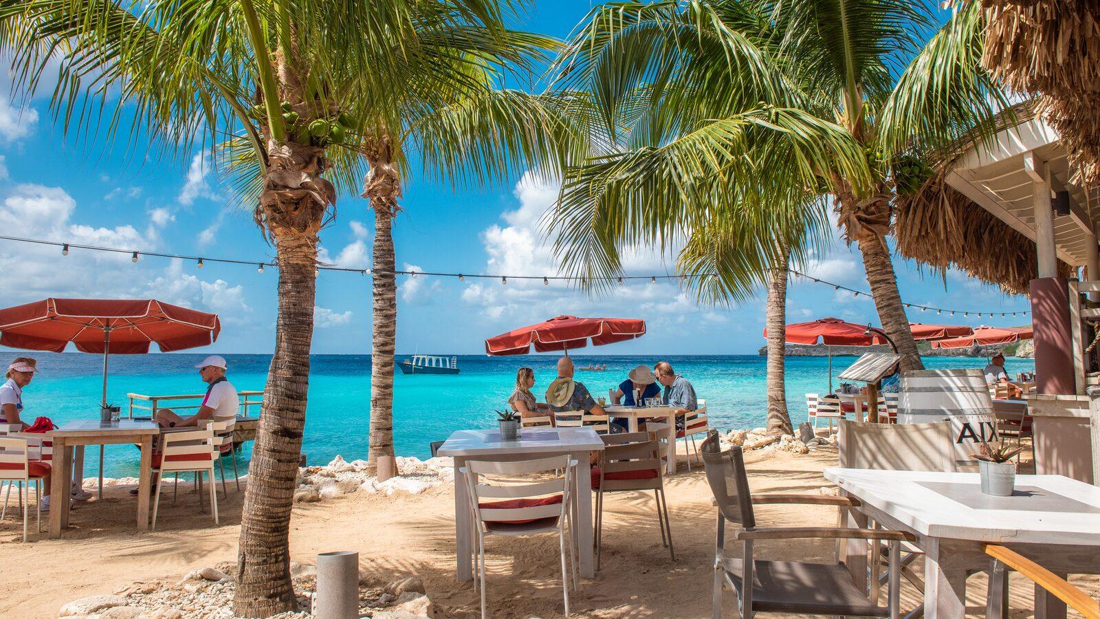 Restaurant Karakter Oasis Coral Estate