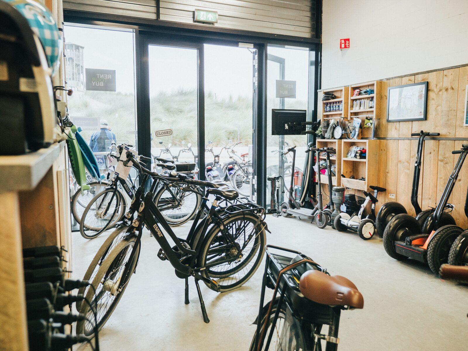 Fahrradverleih am Strandplein Ouddorp Duin