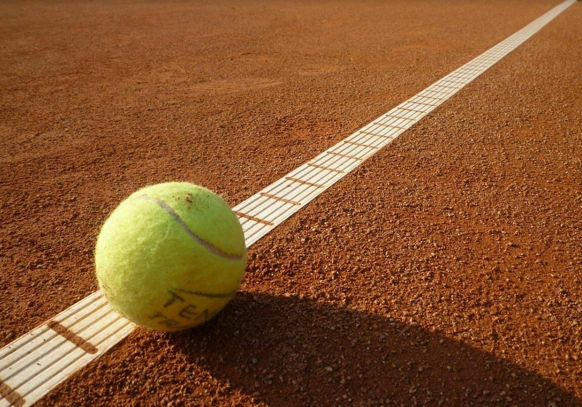 Spielen Sie Tennis in Tiroler Natur