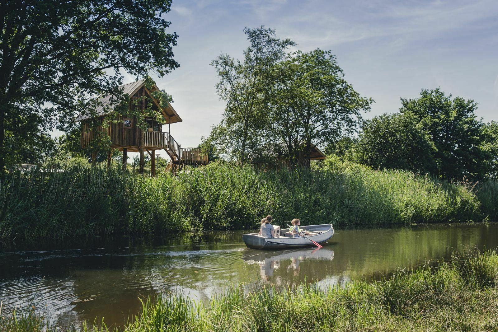 Electro boats rental